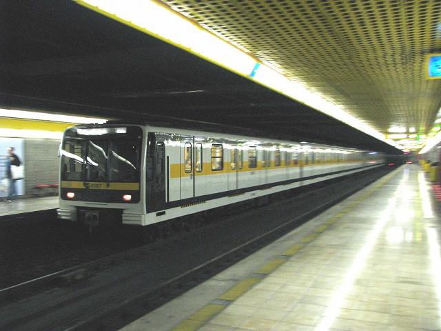 ミラノ地下鉄8000系